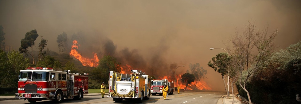 bushfire-and-fire-trucks.jpg